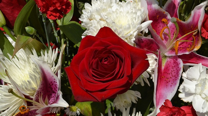 Condolence And Funeral Flowers Meaning Symbolism And Colors